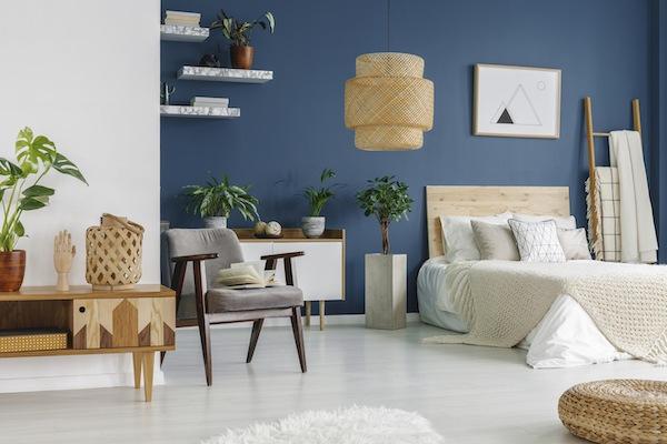 Modern: 1 Blaue Wand im Schlafzimmer