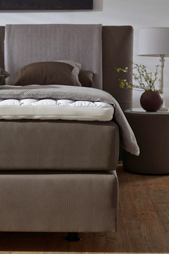 Auch Bettrahmen Matratze Und Der Topper Wurden Bei Diesem Boxspringbett Perfekt Aufeinander Angepasst Um Den Hochstmoglichen Schlafkomfort Zu Erreichen