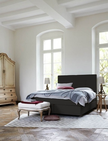 Für Haushalte Mit Einem Räumlich Kleineren Schlafzimmer Wird Es Also  Schwierig Dieses Bett Dort Unterzubringen.