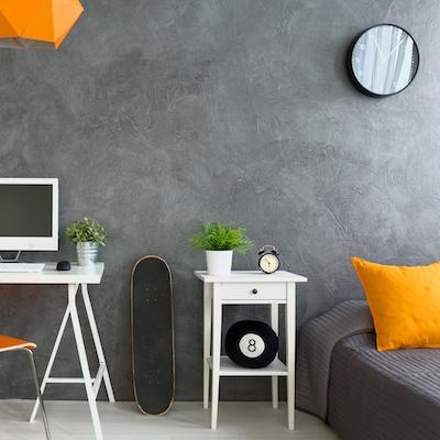 Nur Deko in Grau mit Weiß und Orange