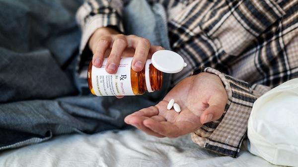 Einschlafen Schlaftabletten Alkohol Drogen